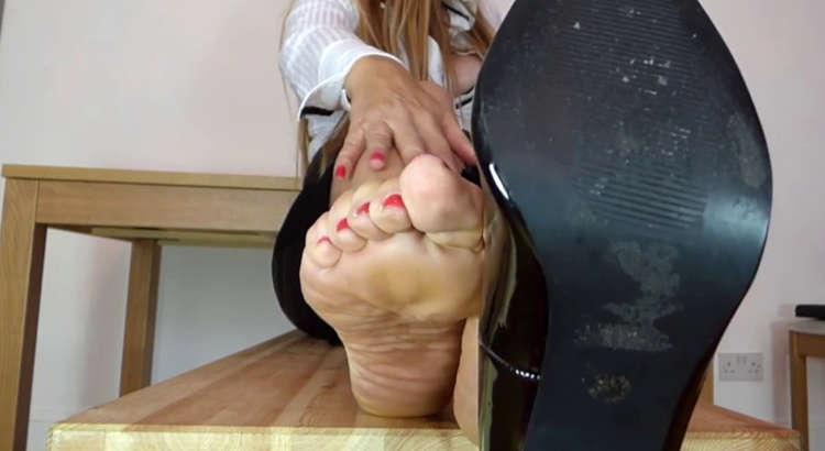 feticista scarpe per schiavi leccapiedi