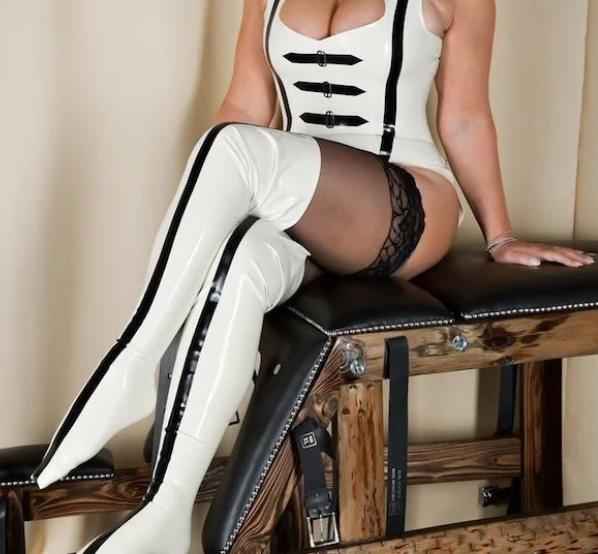 sottomessa sexy da frustare